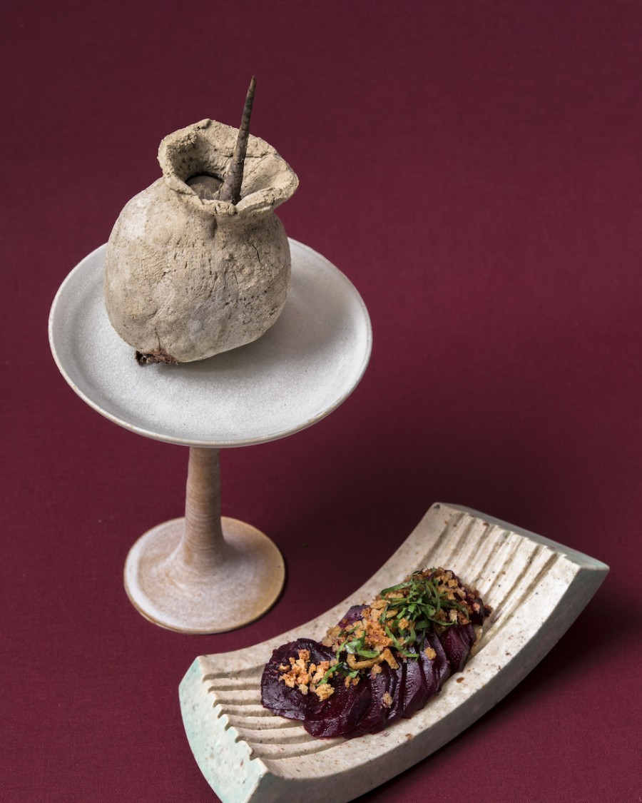 Beetroot baked in clay with morel gravy from Luc Kusters (Bolenius) served on a 'Monoxilia' bowl by Eva Burton and a clay chalice by Gabriela Jimenez Falch.